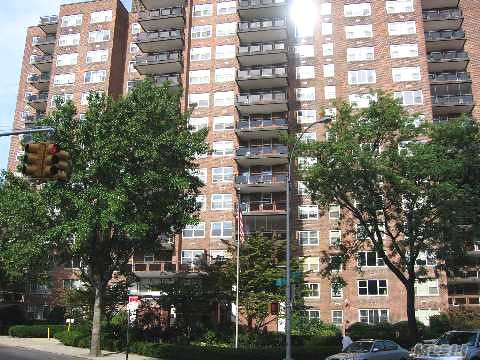 3BR/2BTH CO-OP FOREST HILLS  -Under Contract-