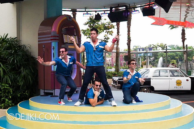 Universal Studios Singapore - The Cruisers 2
