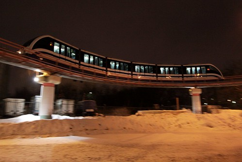 Six car long monorail train on the reversing loop at Reversing loop at Тимирязевская (Timiryazevskaya)