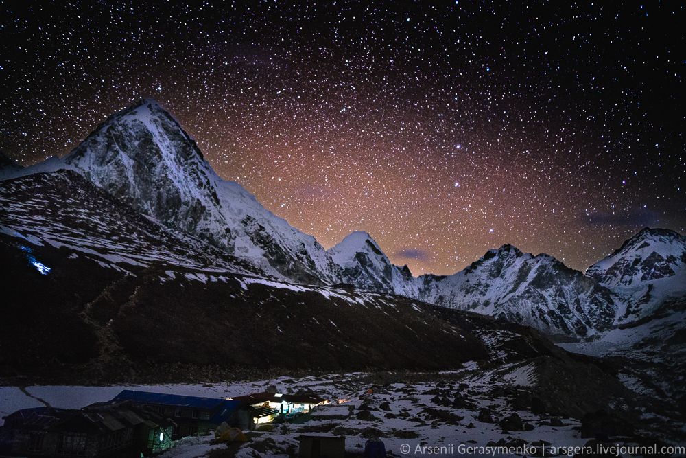 Starry sky over Top of the World: Himalaya