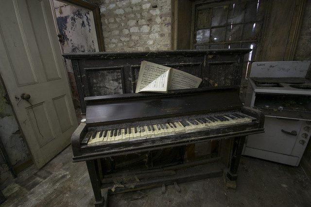 Piano and Oven