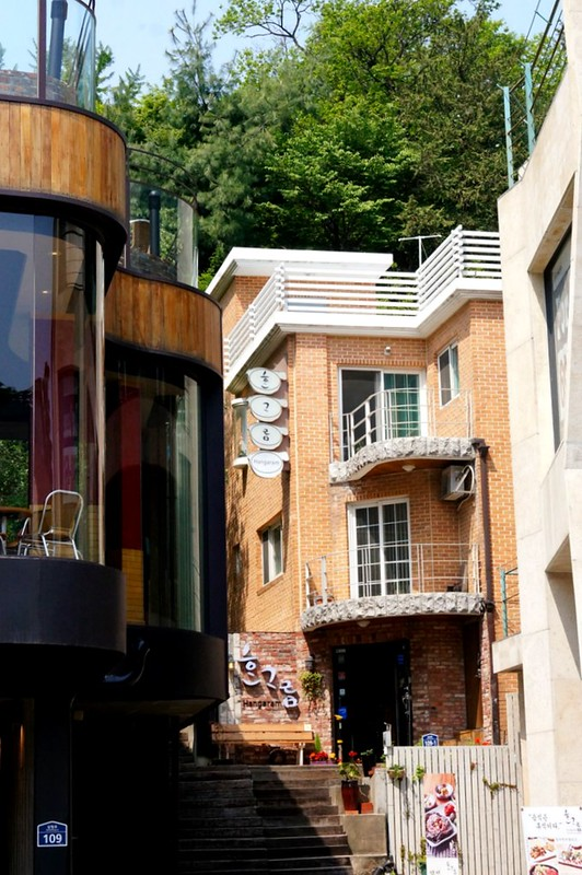 Seoul, Korea - Nostalgic Charm in Urban Seoul - Samcheong-dong-007