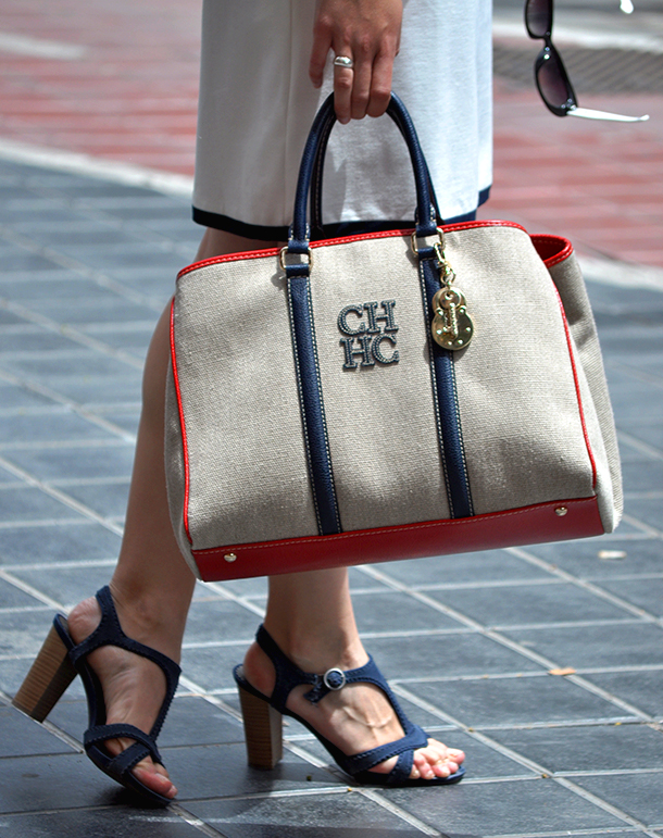 something fashion blogger valencia spain, HM carolina herrera mateo tote bag, luxury handbag navy style summer trends cruise collection