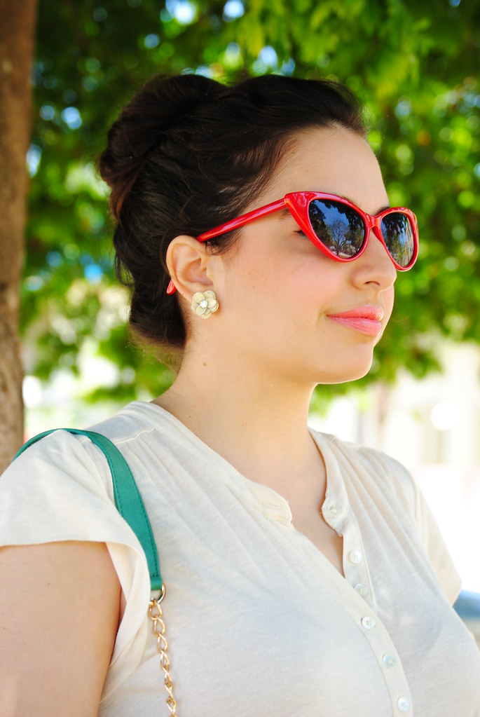 Retro red cateye sunglasses