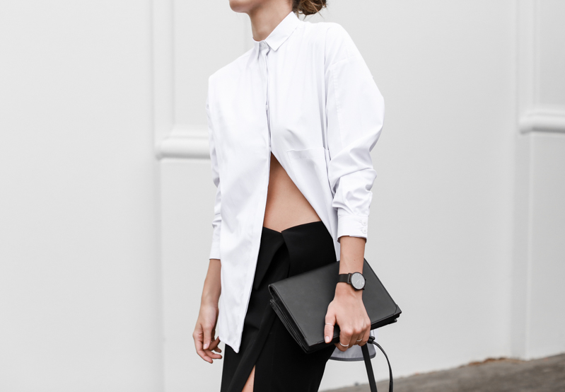 MODERN LEGACY fashion blog street style black and white oversized shirt Dion Lee split midi skirt Alexander Wang bag Larsson Jennings watch workwear (1 of 1)