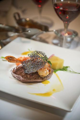 推薦情人節的情人套餐_高雄新國際西餐廳牛排 (11)_澳洲菲力佐培根大蝦