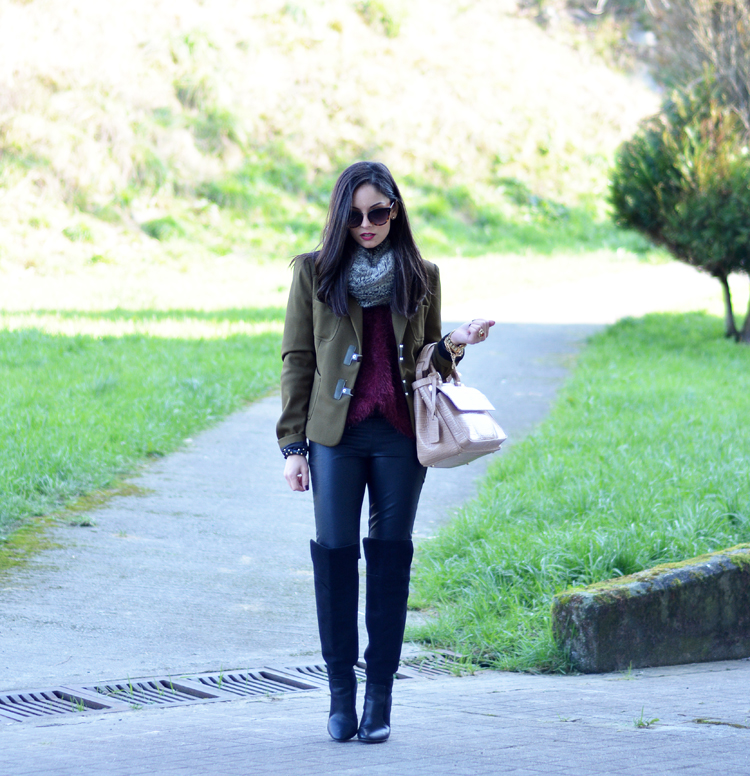 Zara_ootd_verde oliva_botas_altas_burdeos_chicwish_outfit_07