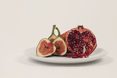 27//52 Pomegranate and fig