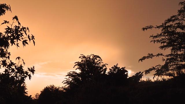 Bizarre hemel boven Heffen