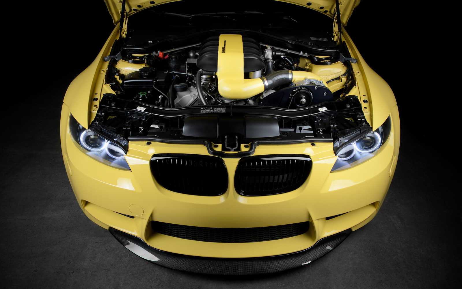 bmw m3 forum e90 e92 view single post black and yellow a nighttime photo shoot in. Black Bedroom Furniture Sets. Home Design Ideas