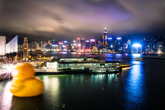 hong-kong-victoria-harbour-rubber-duck-visit