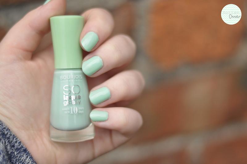 notd-bourjois-amande-defile-mint-green-creme-nail-polish-rottenotter-rotten-otter-blog 2