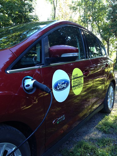 Scooting around in this fab hybrid thx 2 #FORDOttawa, reducing the @nuitblancheotta carbon footprint in prep for 21/09.