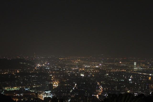 陽明山屋頂上夜景