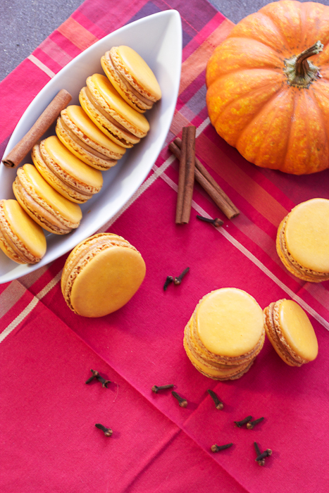 Pumpkin Macarons #cookieweek