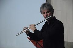 bowed string instrument(0.0), violinist(0.0), string instrument(0.0), trumpet(0.0), trombone(0.0), viola(0.0), brass instrument(0.0), violist(0.0), flute(1.0), musician(1.0), western concert flute(1.0), flautist(1.0), wind instrument(1.0),