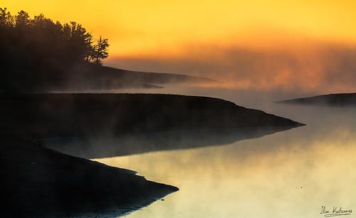 light sun lake fog sunrise mood lee manfrotto plastiras leefilters 09gnd