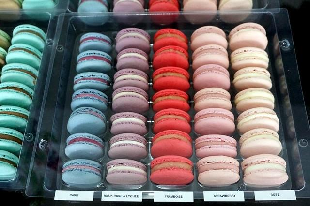 Les Deux Garcons, Taman Desa - go for great French croissants & cakes-008