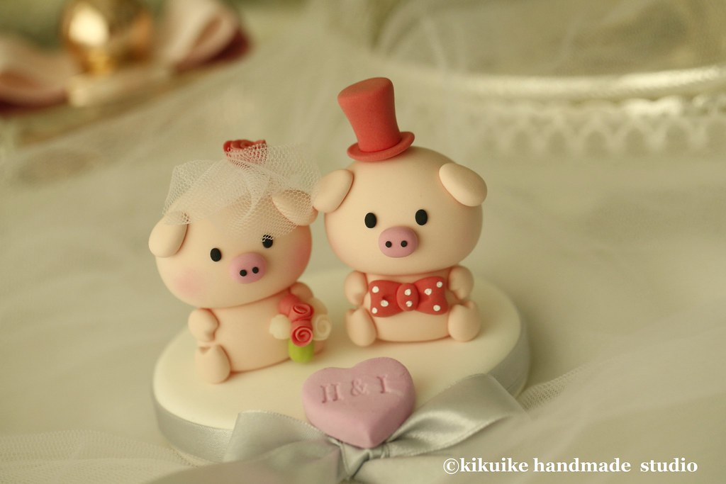 love Piggy and Piglet bride and groom wedding cake topper - a photo ...