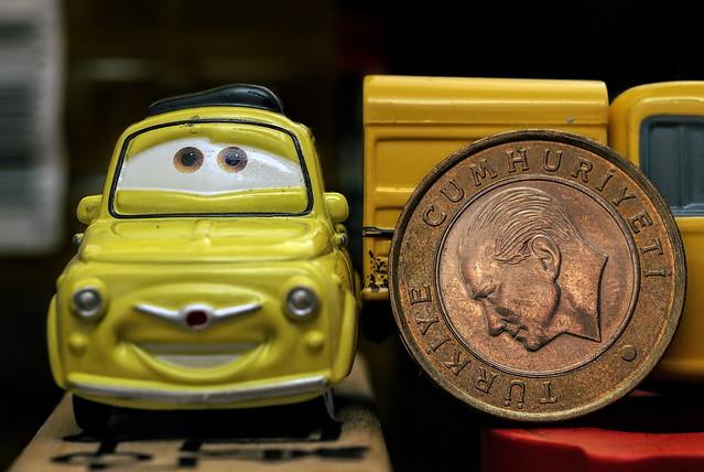 Car & Money - Ciddi Biri - Flickr