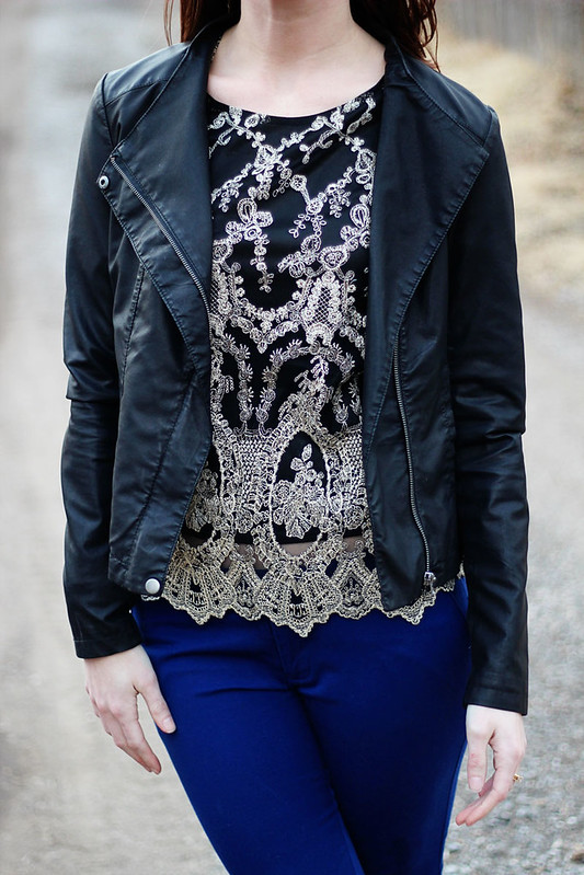 blue-pants-black-booties-lace-shirt6