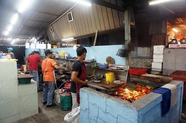 Halal Penang Food ikan bakar Hammer Bay or Seri Pantai - Gold Coast Condominium-005