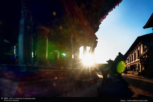 旅行 日落 逆光 尼泊尔 色彩 蔡司 广角 神庙 巴克塔普尔