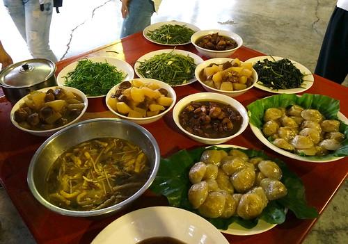 港東社區媽媽精心準備的菜餚