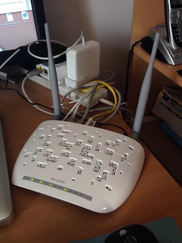TP-Link N300 ADSL router