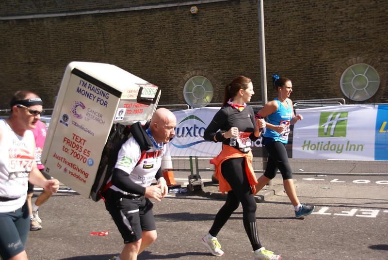 Man Still Carrying Fridge Mile 22 2014 London Marathon