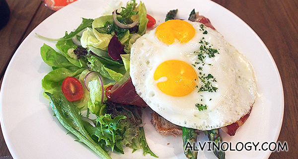 Torrada de Esparragos (S$20) - Grilled asparagus with Jamon and fried farm eggs on toasted country bread