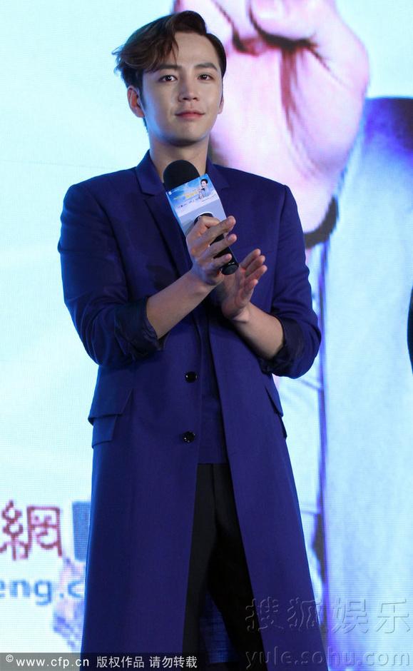 [Pics] Jang Keun Suk Calls For More Charity Work and Be Eco-Friendly At Caffe Bene FM_20140426 14058114685_12ac6d4db6_o