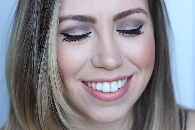 Makeup Monday: Pale Purple Eye | #LivingAfterMidnite