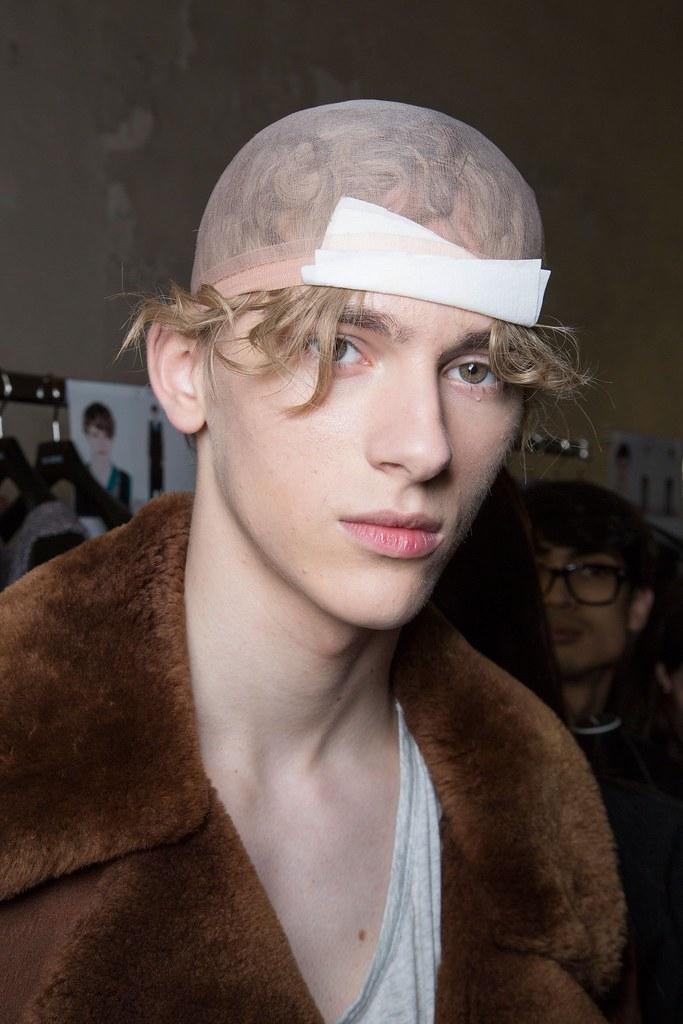 Dominik Sadoch3256_FW15 Paris Raf Simons(fashionising.com)