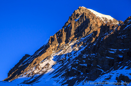travel nepal mountain snow color horizontal sunrise landscape dawn asia outdoor scenic peak remote np annapurnacircuit annapurna himalayas manang gandaki thorungla thorongla westernregion annapurnaconservationarea yakwakangpeak