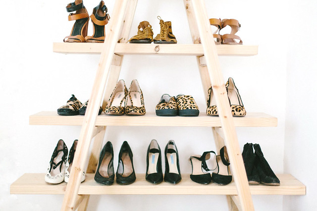 DIY Ladder Shoe Shelf www.apairandasparediy.com