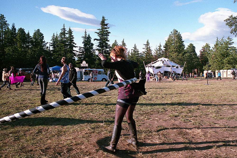 What-The-Festival_Giant-Hoop