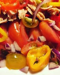 #tomaquet #tonyina #pebrots i #ceba quatre amics que es retroben a #estiu #emporda #igersoftheday #igersemporda #magradacuinar #food #foodporn #foodie #hinl #incostabrava #instafood #instatravel #tomato #tuna #onion #pepper