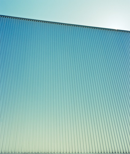morning blue roof light sun abstract color reflection building film lines japan architecture analog gold kyoto pattern glow kodak smooth tranquility bluesky symmetry clear edge gradient portra minimalist divided centralstation 80mm kyotostation mamiya7ii