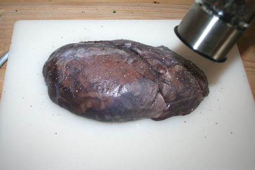 48 - Fleisch würzen / Season meat