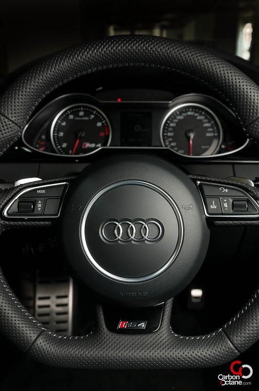 2013-Audi-RS-4-18.jpg