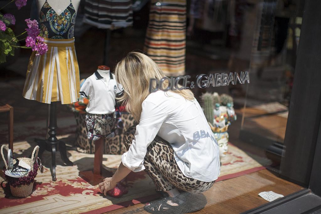milano dolce gabana shop window