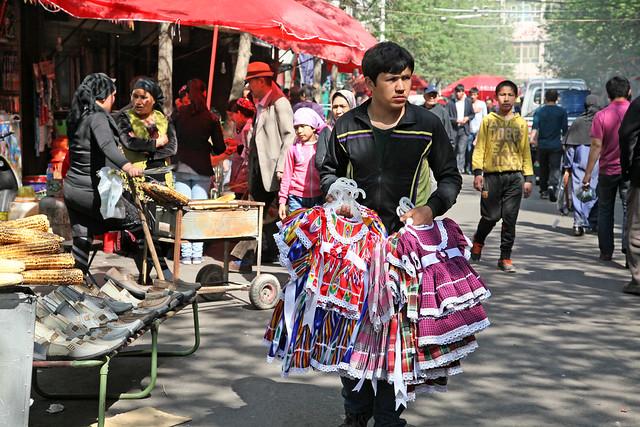 Market street in Urumqi ウルムチ、山西巷バザール