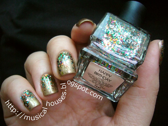 Gold and Glitter Libertine Fashion Week inspired manicure 1