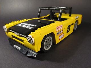 Triumph TR6 club racer