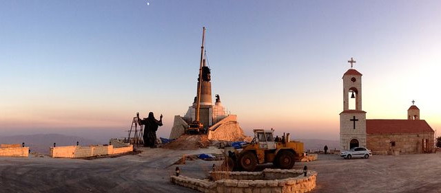Estatua en Sednaya, Siria. «Yo he venido para salvar al mundo»