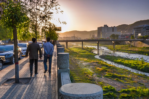 china sunset sky people sunshine backlight river nikon afternoon earth side highland walker nikkor