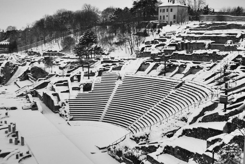 Amphithéâtre gallo-romain de Fourvière sous la neige a Lyon