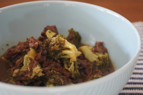 Slow cooker beef and broccoli DSC06764
