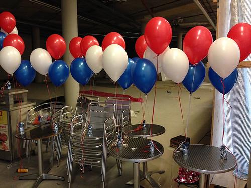 Tafeldecoratie 3ballonnen Kledingparty Roy Donders Foodfactory Spijkenisse